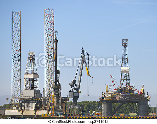 oil rig in the harbour od rotterdam - csp3741012