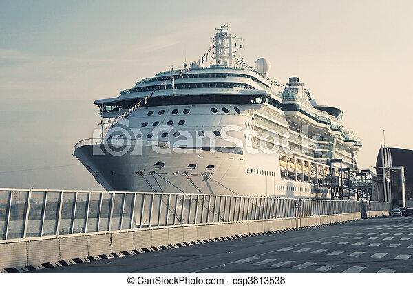 Passenger Transatlantic Cruise Liner - csp3813538