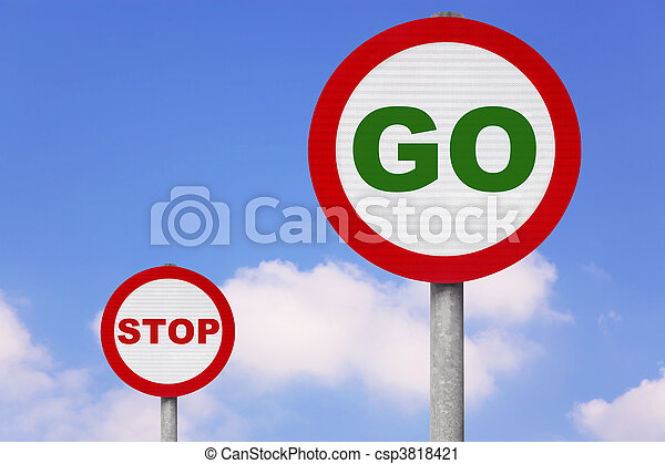 Round roadsigns with GO and STOP on - csp3818421