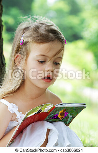 Child Reading - csp3866024