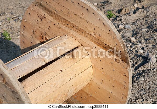 photographies de bois bobine fil vide bobine fait de bois pour fils csp3888411. Black Bedroom Furniture Sets. Home Design Ideas