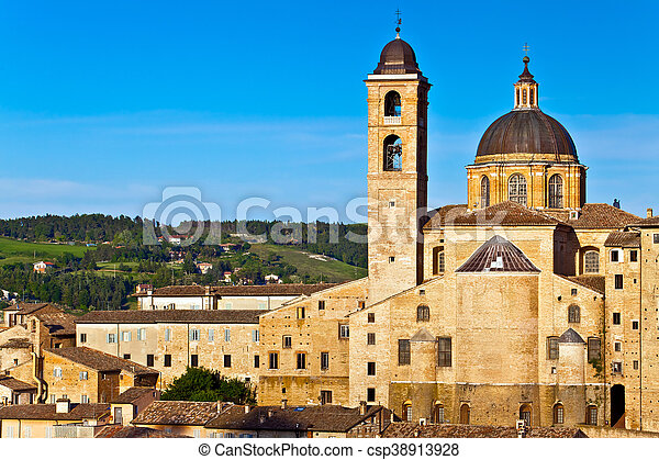 Medieval city Urbino in Italy - csp38913928