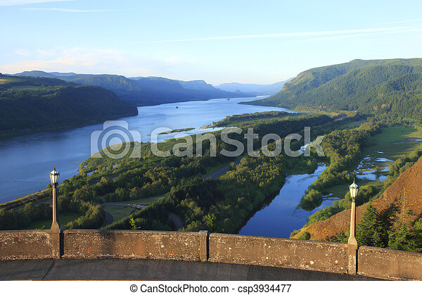 Columbia River Gorge, OR. - csp3934477