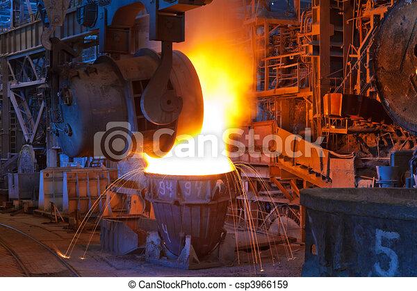 Pouring of liquid metal - csp3966159