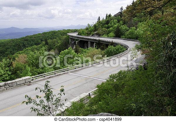 Linn Cove Viaduct - csp4041899