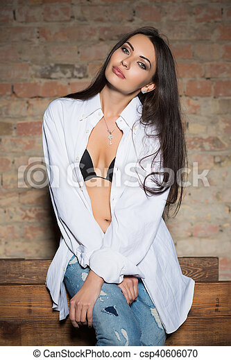 Young sexy brunette - csp40606070
