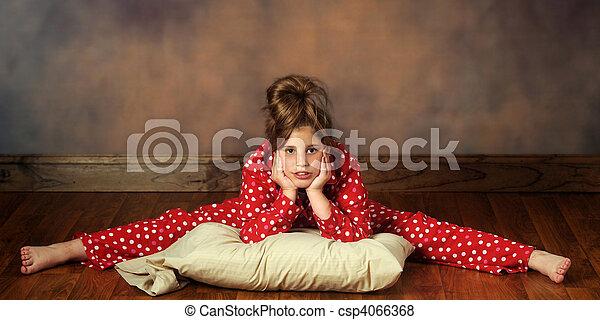 Bedtime Splits - csp4066368