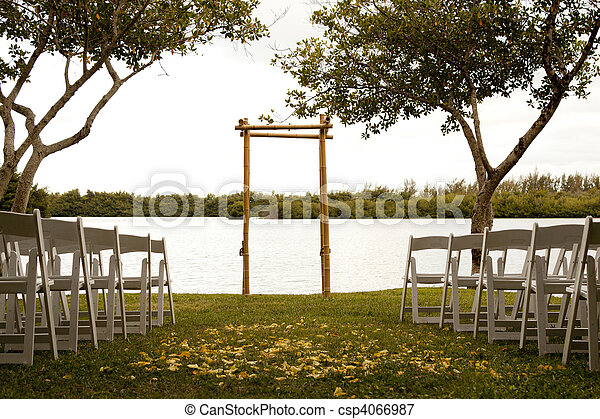 Tranquil wedding setting - csp4066987