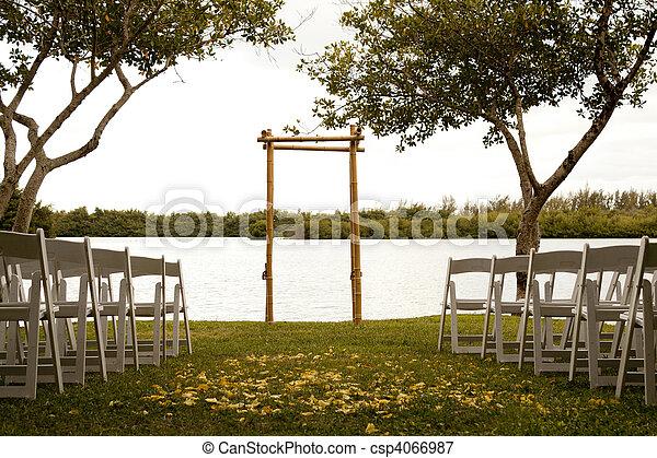 Tranquil wedding setting - csp4066987