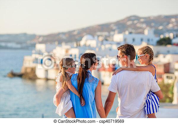 stock de fotos poco nios isla familia grecia vacaciones venecia padres plano de fondo mykonos europe