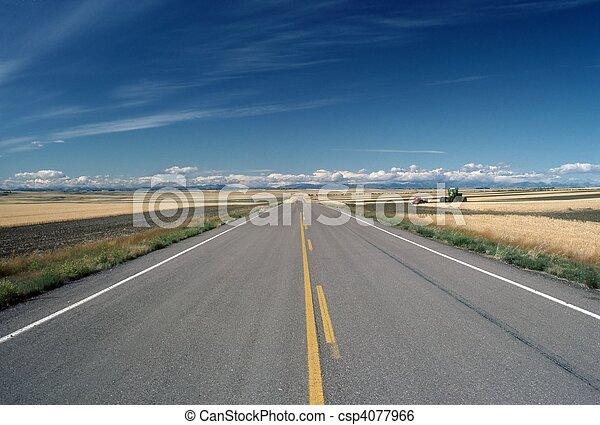 Road, Montana - csp4077966