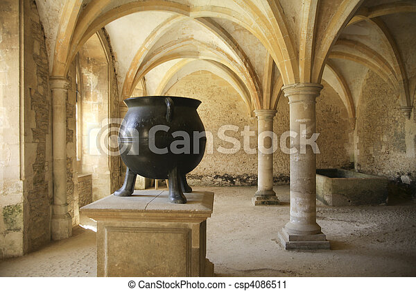 Photographies de moyen ge chaudron cuisine medieval for Art et cuisine chaudron line