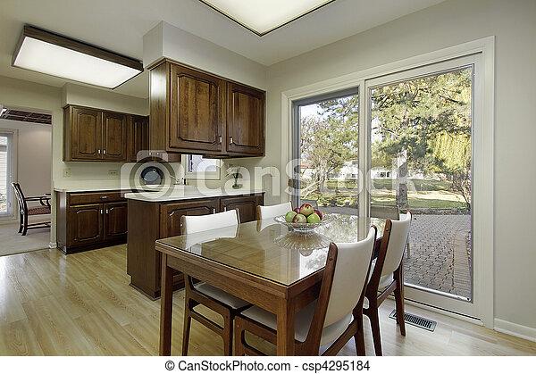 photo cuisine sombre bois cabinetry image images photo libre de droits photos sous. Black Bedroom Furniture Sets. Home Design Ideas