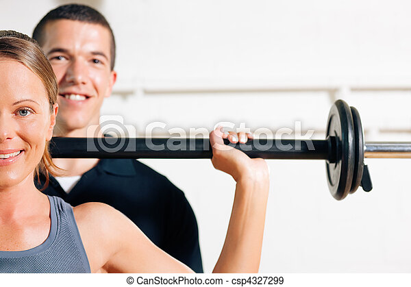 Personal Trainer in gym - csp4327299
