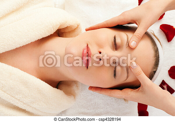 Face Massage in Spa - csp4328194