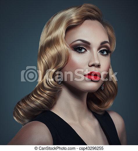 Woman fashion portrait - csp43296255