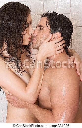 kissing xx inna hot adults