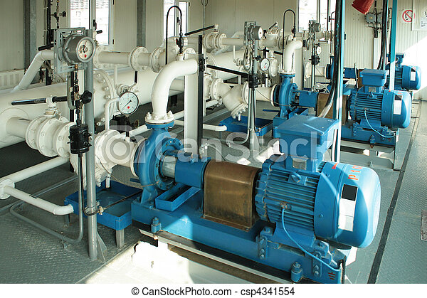 Pump pumping gas condensate. - csp4341554