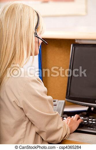 bureau, secrétaire - csp4365284
