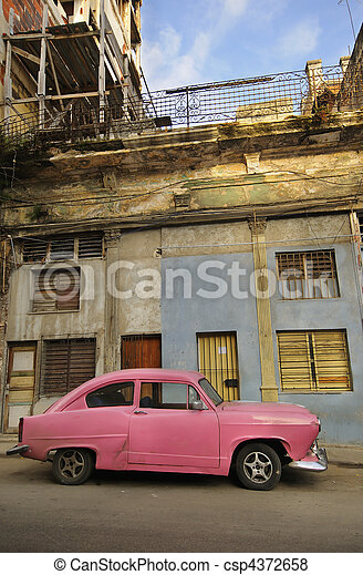 Old havana facade and vintage car - csp4372658