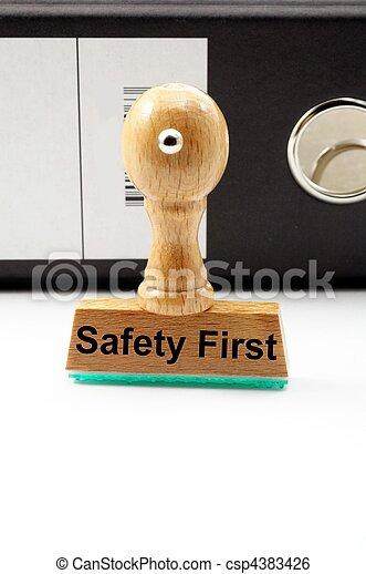 säkerhet först - csp4383426