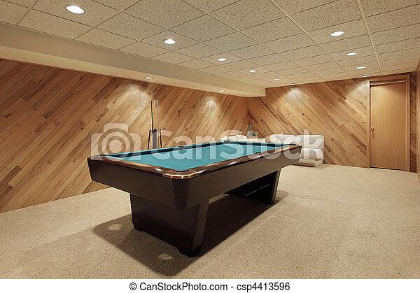 image de table piscine sous sol pool table dans maison csp4413596 recherchez des. Black Bedroom Furniture Sets. Home Design Ideas