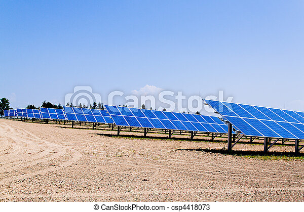 Alternative Solar Energy. Solar power plant. - csp4418073