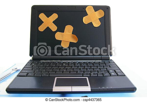 computador portatil, computadora, con, vendas,  -, computadora, reparación, o, en línea, Atención sanitaria, concepto - csp4437365