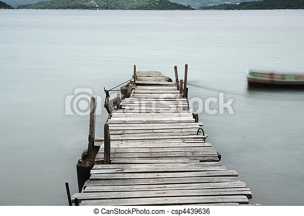 pier and boat, low saturation - csp4439636