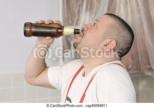 Maurer bei der arbeit bier  Stock Fotografie von arbeit, arbeiter, maurer, brechen, bier ...