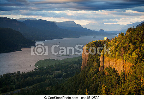 Oregon landscape - Crown Point Columbia river - csp4512539