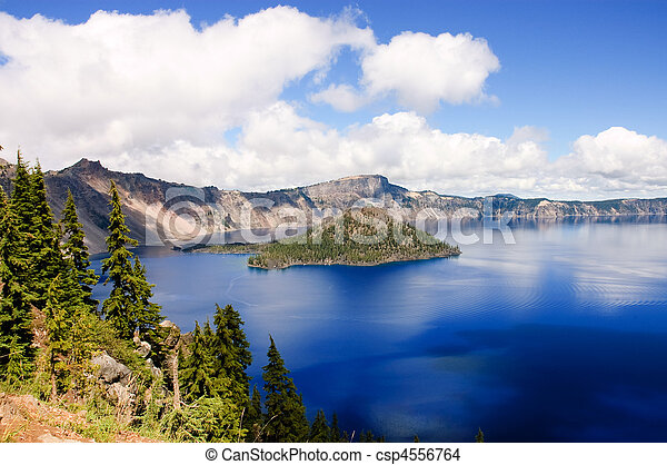 Crater Lake, Oregon - csp4556764