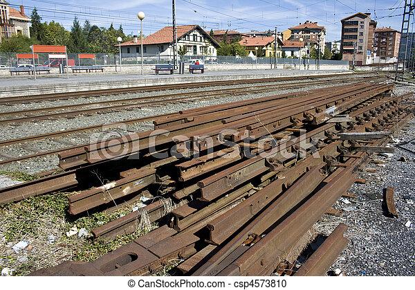 Stock de fotograf a de vigas estaci n tren hierro - Vigas de tren ...