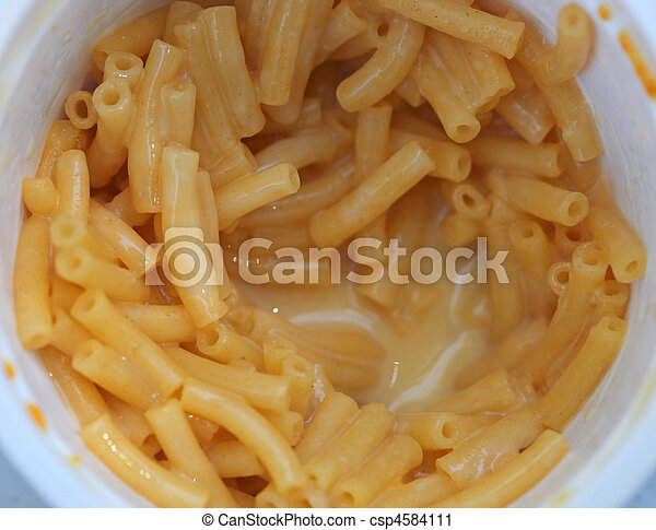 Child Favorite Meal of Macaroni and Cheese - csp4584111