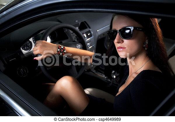 banque de photographies de femme s ance voiture long luxe jambes sexy l gant. Black Bedroom Furniture Sets. Home Design Ideas