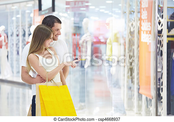 In storefront - csp4668937