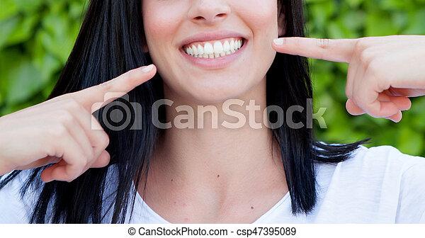完美, 顯示, 婦女, 她, 牙齒 - csp47395089