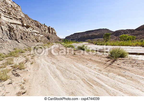 Desert offroad of the Cottonwood Canyon Road - csp4744039
