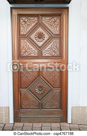 Haustuer  Doorstep - csp4767188