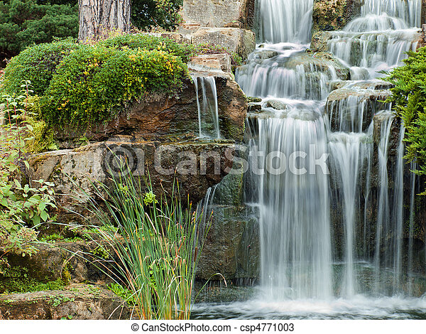 Peaceful waterfall - csp4771003
