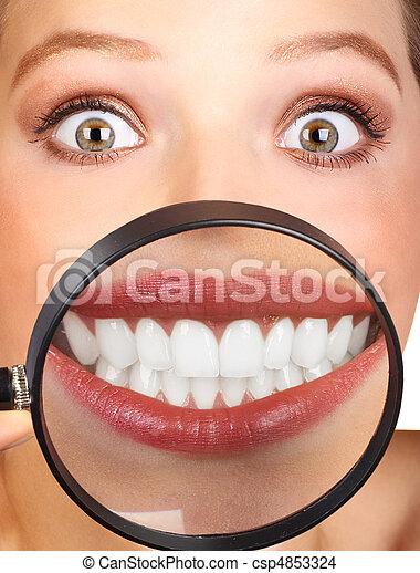 婦女, 牙齒 - csp4853324