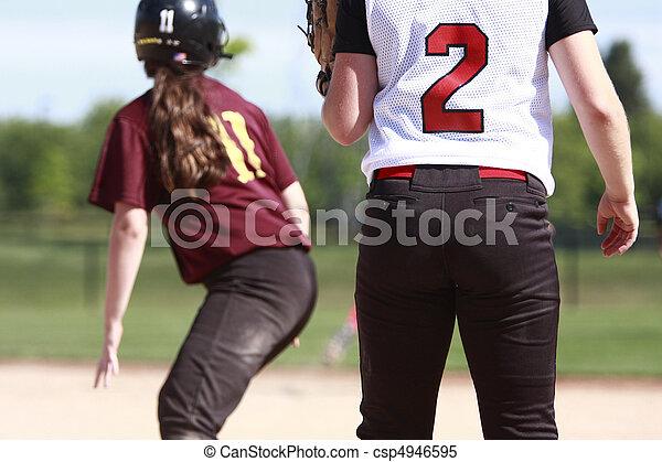 Softball players - csp4946595