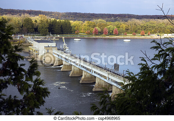 Dam on Illinois River - csp4968965