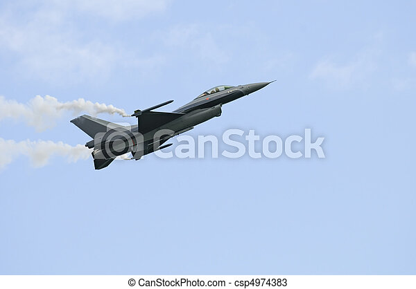 General Dynamics F16 - csp4974383