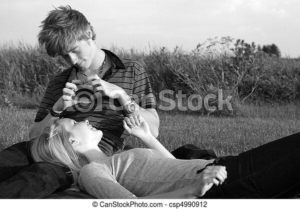 Couple d'ados qui baise - Pornodrometv