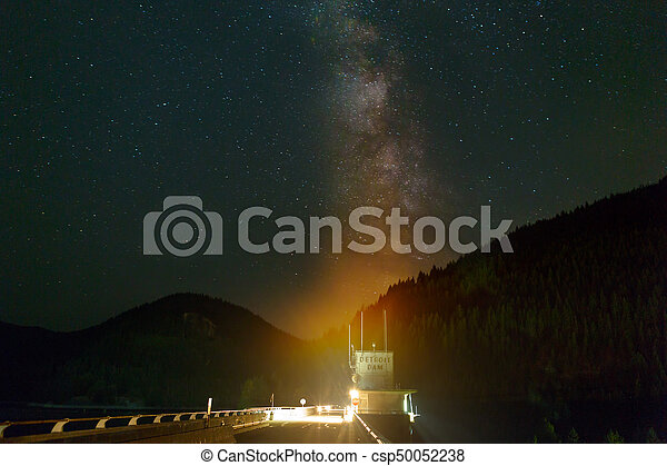 Milky Way over Detroit Dam - csp50052238