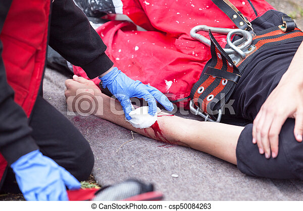 Arm injury. First aid training.