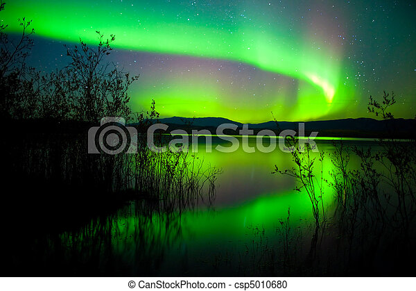 Northern lights mirrored on lake - csp5010680
