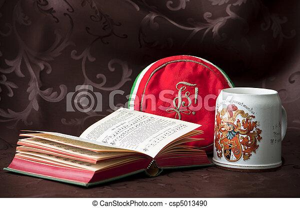 arrangement of student league accessoirs - csp5013490