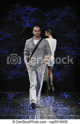 male model on fashion show - csp5018435
